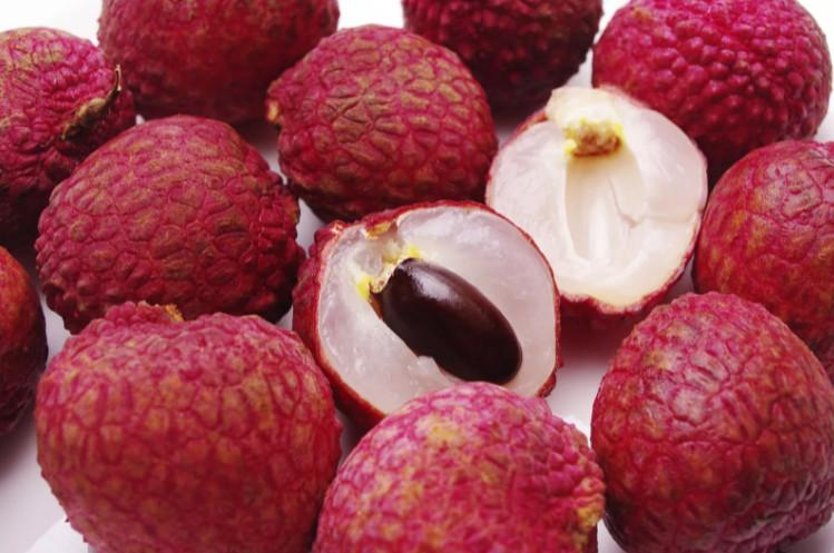Как есть фрукт личи