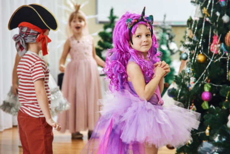 Подбираем праздничные костюмы для детей